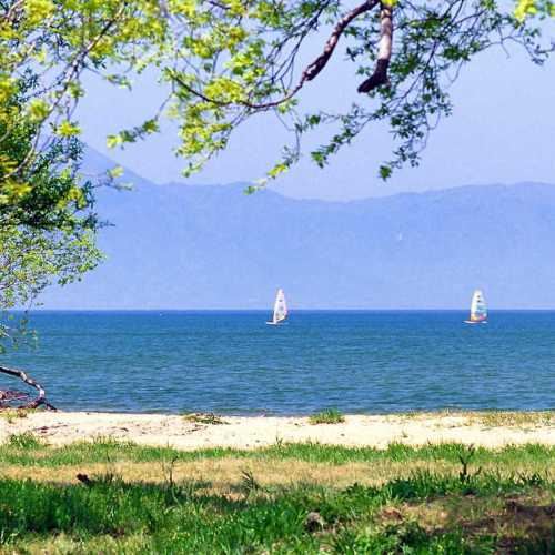 初夏のびわ湖風景