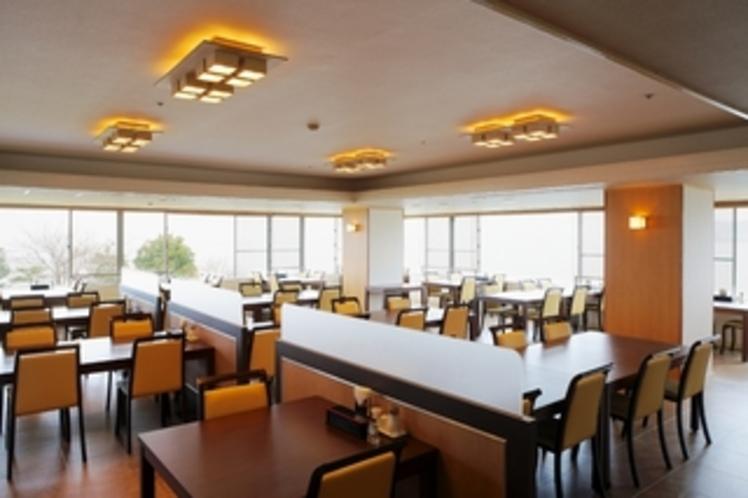 2階 レストラン琵琶