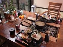 囲炉裏でお食事2