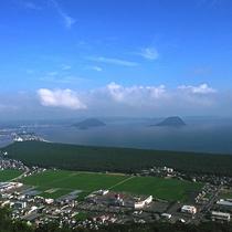 鏡山山頂から見た虹ノ松原