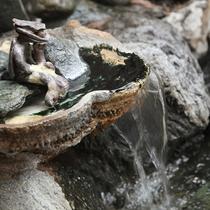 【四季の湯】季節の草木に囲まれてゆっくりと入浴をお楽しみください