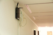 各階に無線ルーターを設置
