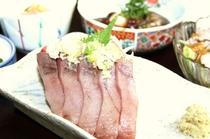 初夏の旬。宮城産・かつおのミョウガ薬味のせお刺身をメインとした夕食