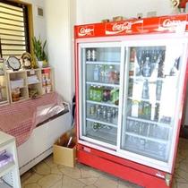 *売店コーナー/ソフトドリンクやスナック、軽食などをご用意しております☆
