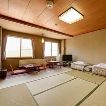 *お部屋(本館和室10畳)/5名様までご利用頂けます。ビジネスに、ご観光にお勧めです。