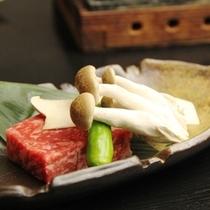 夕食_飛騨牛のステーキ