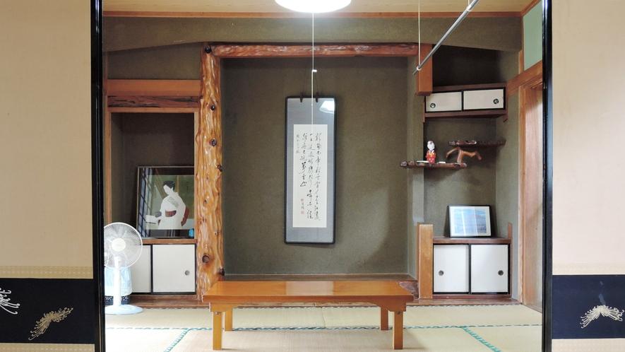 *和室12畳室内一例/光が差し込む広縁がついております。