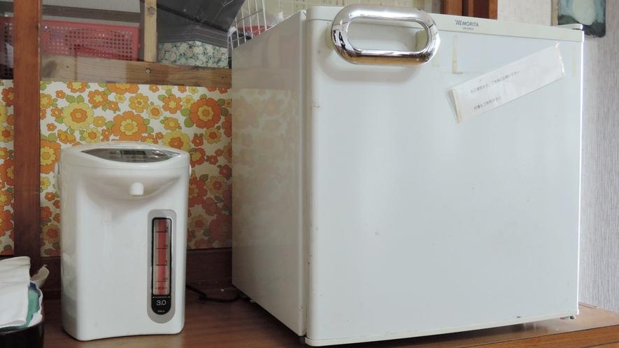 *共有スペース/冷蔵庫はご自由にお使い下さい。