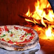 【手作り石窯ピッツァ】石窯で焼く地元高森の新鮮元気野菜です!石窯で焼くと味が凝縮します