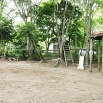 【お庭】広々としたドッグラン兼お子様の遊び場です!