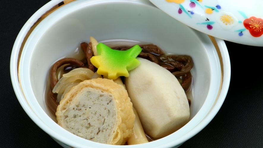 【ご夕食一例】山の幸・郷土の味覚とともに素朴な田舎料理をベースにしたお食事をご用意致します。