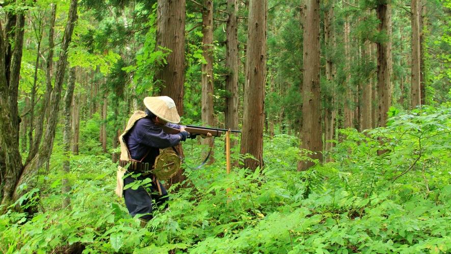 【マタギ】古来より山深く分け入ってクマなどの狩猟を生業にしていたマタギ