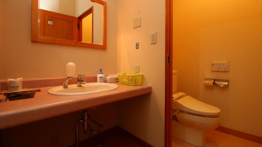 【本館シングル】洗面・トイレ付きで便利です。