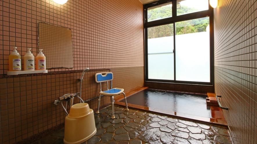 【家族風呂】男女別の大浴場の他に、貸切でご利用頂けます。