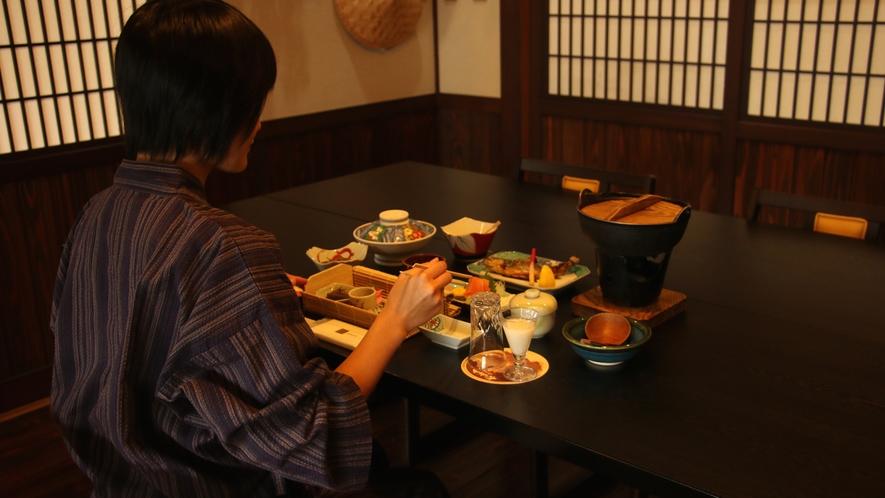 【ご夕食イメージ】素朴な田舎料理をベースにしたマタギのご馳走をお楽しみください。
