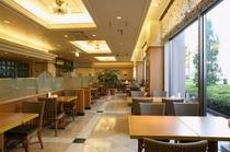 朝食会場 1階 カフェ・ド・パリ 時間7:00〜10:00