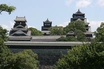 日本三大名城の一つ「熊本城」 ホテルから徒歩約15分です。