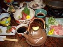 松茸の土瓶蒸しの入った料理の一例