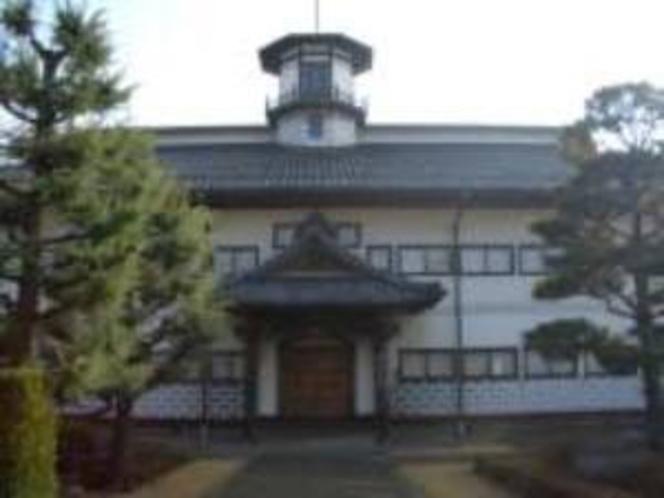旧山辺学校 歴史民俗資料館