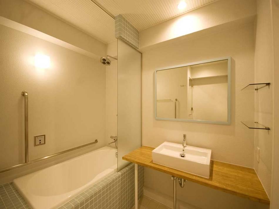 302.950bathroom