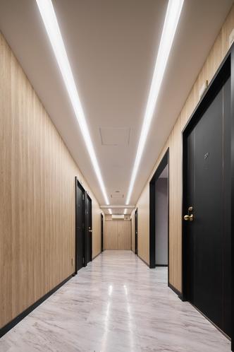 施設内廊下2F