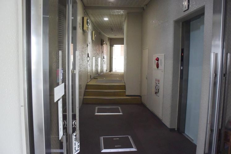 館内【エレベーターホール】