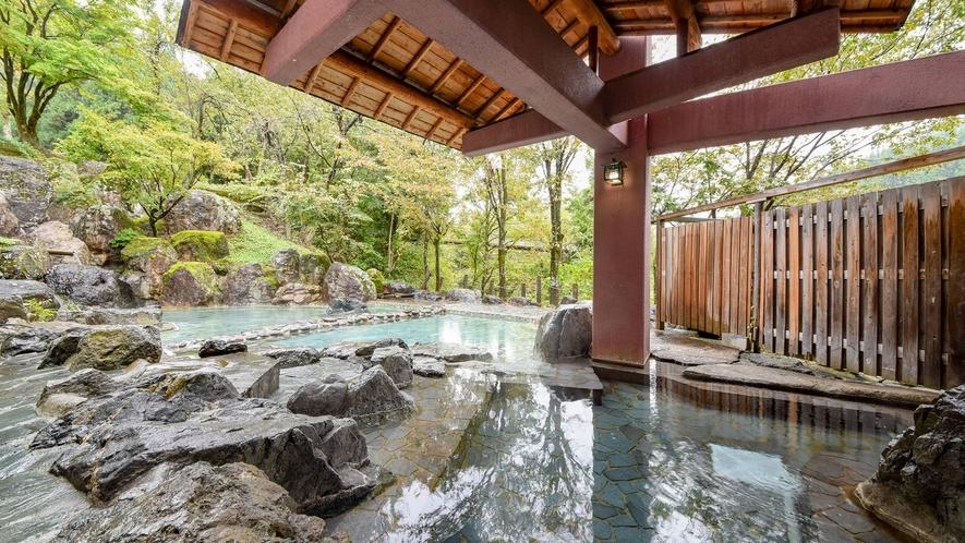 *露天風呂/当館の露天風呂は、ぬるめのお湯となっており、お子様やシニアの方も安心してご入浴頂けます。