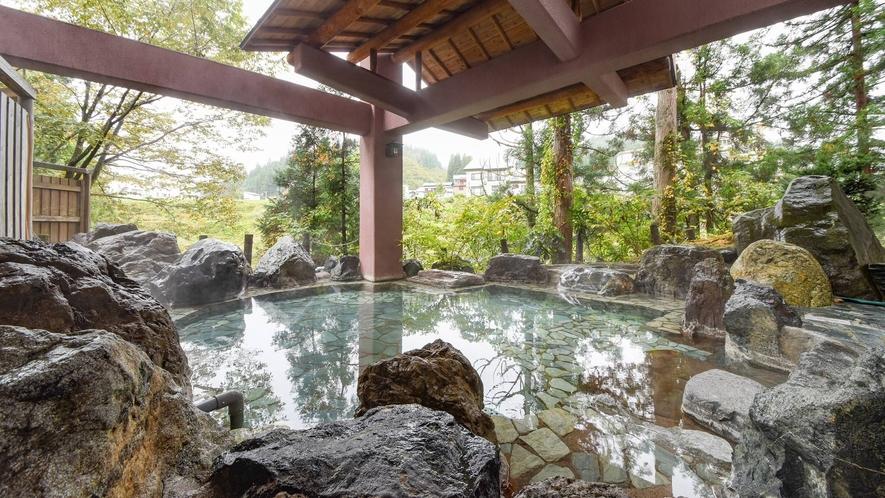 *露天風呂/魚沼随一!野趣あふれる露天風呂で、静かにのんびり天然温泉を満喫♪
