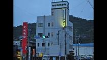 【ビジネスホテルヤマキ】無料駐車場(15台)完備しております☆
