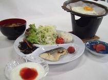 朝食(目玉/イメージ)