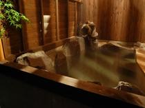 山小屋風露天風呂(夜)