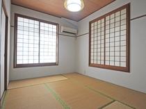 【客室】和室もあるので足を伸ばしてゆっくりできます