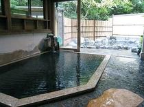 内風呂(女性用):自家源泉100%かけ流しの温泉があなたを心の底から癒してくれます。.jpg