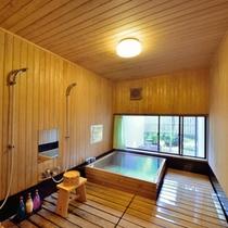 *離れ客室 檜風呂 ※部屋によってタイプが異なります