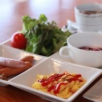 卵かけご飯セット(洋食)産みたて新鮮卵の朝食で、一日元気に過ごせそう♪