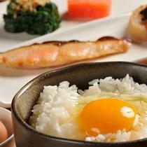 卵かけご飯セット(和食)産みたて卵と釜で炊いたホカホカご飯の卵かけご飯はやっぱり最高!