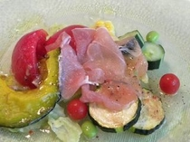 高原野菜と生ハムのイタリアンサラダ
