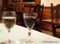 ディナーとともにワインをどうぞ