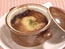 あっつあっつ!!オニオングラタンスープ