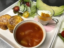 フレンチトーストと野菜スープ