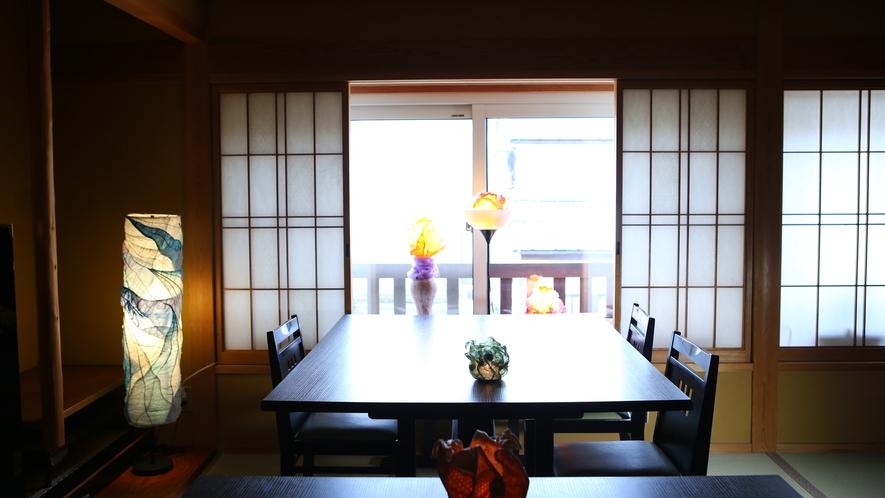 ご朝食会場にもアートランプが灯ります