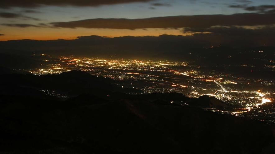 【ソラテラス】夜景も美しく見えます。