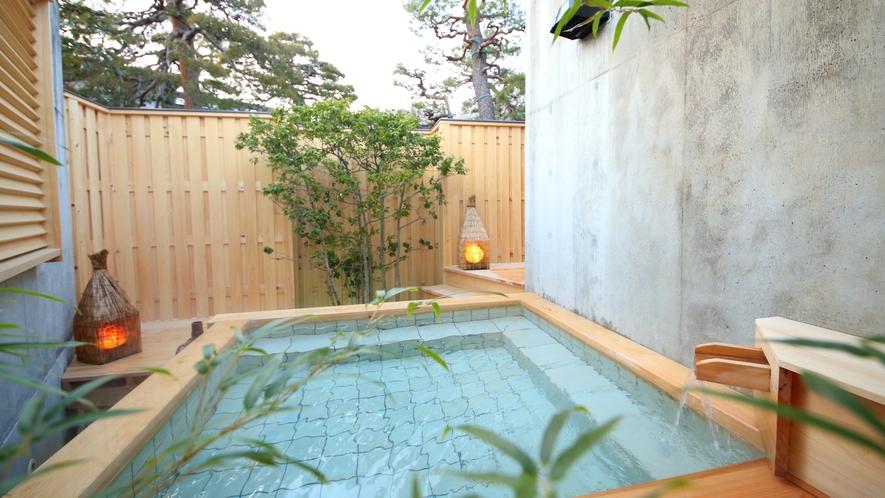 【月の湯】20時−21時30分迄は限定2組の貸切風呂となります