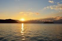 海津から見た朝日
