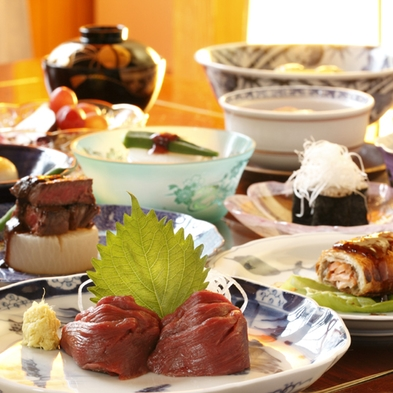 【1/1・1/2・1/3】諏訪大社 秋宮・春宮で初詣をどうぞ♪おせち料理が味わえる。特別プラン