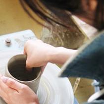 近隣の工房で陶芸体験