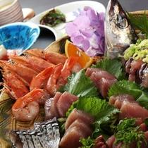 伊豆ならではの新鮮な旬の地魚の盛り合わせです。