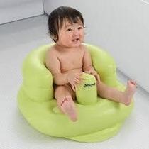 幼児用イス「バンボ」(男女各洗い場入り口)