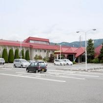 スマイルホテル駐車場