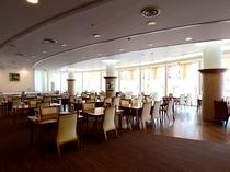 1階レストラン白鳥